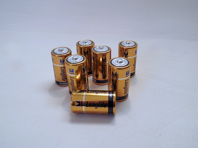 CR 123 and CR 123a batteries available
